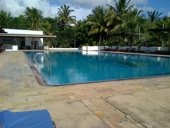 Mtoni Marine Hotel: pool area