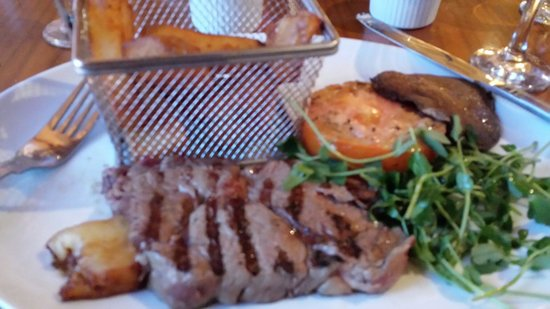 Wild Boar Hotel : Awesome rib eye steak and the chunkiest chips