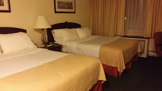 Holiday Inn Montreal Longueuil: 2 Queen Beds