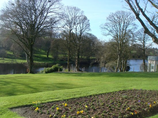 Killyhevlin Lakeside Hotel & Lodges: The view from the lounge