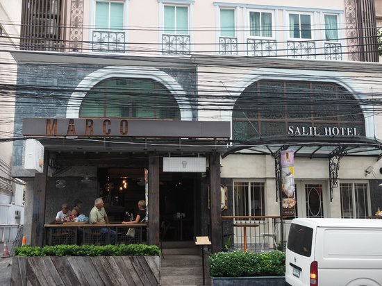 Salil Hotel Sukhumvit Soi 11: de entree