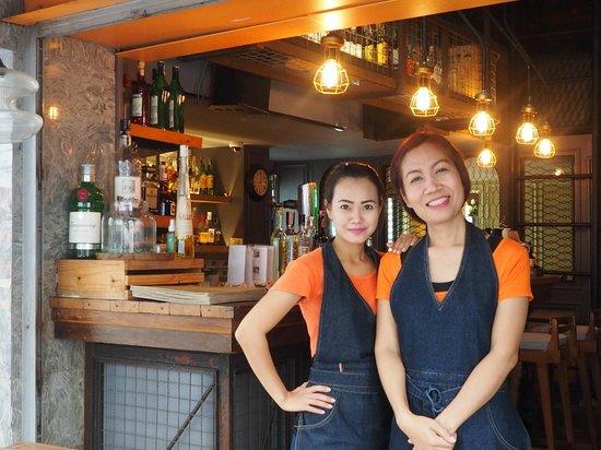 Salil Hotel Sukhumvit Soi 11 : Zeer vriendelijke bediening in de bar en het restaurant