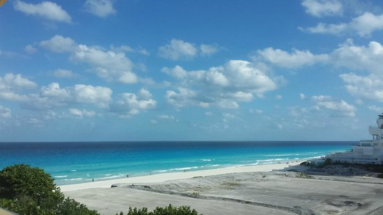 Live Aqua Beach Resort Cancun: View from our room, 1462
