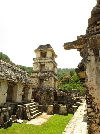 Hotel Xibalba: wonderful palenque