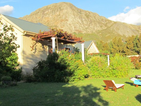 Cape Vue Guest House: Cape Vue grounds