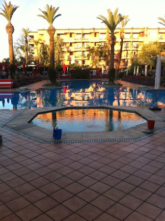 Sofitel Marrakech Lounge and Spa: Piscine