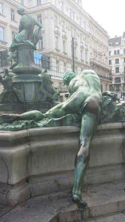 Neuer Markt: Delizioso dettaglio della fontana