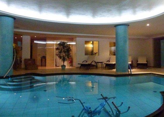 "Hotel Chalet del Sogno: ""Swimming"" pool"