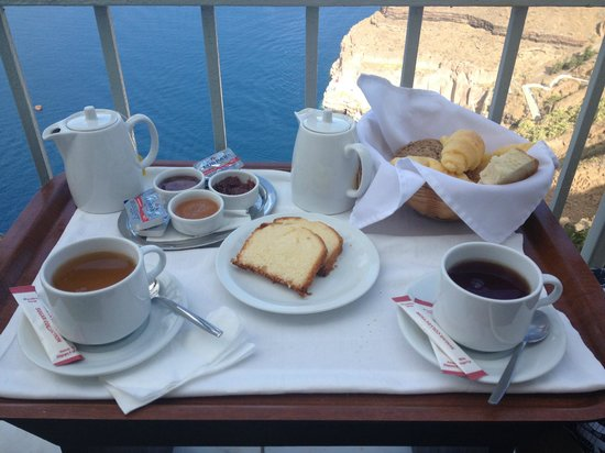 Cori Rigas Suites: Our Breakfast on Our Balcony