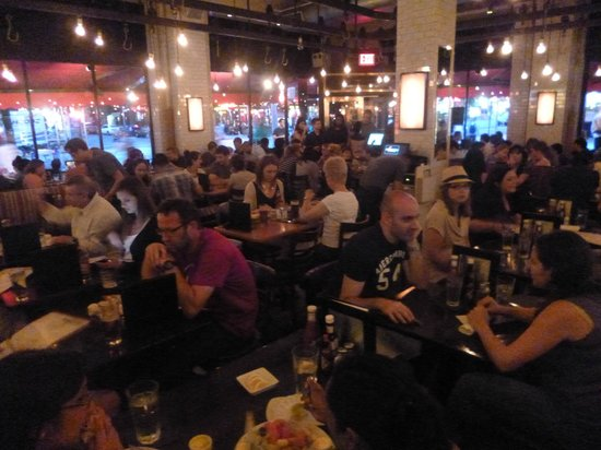 5 Napkin Burger: A great, buzzy atmosphere