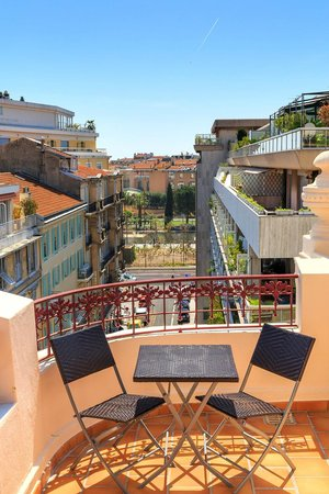 BEST WESTERN PLUS Hotel Massena Nice : View on the Promenade du Paillon - Deluxe Room 615