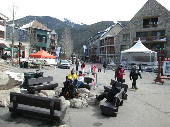 Keystone Ski Area: Keystone Village has shopping, bars and restaurants plus entertainment