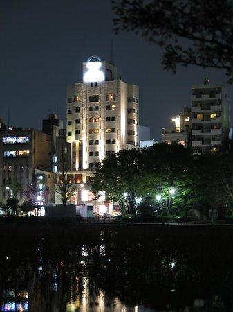Hotel Coco Grand Ueno Shinobazu : hotel at night