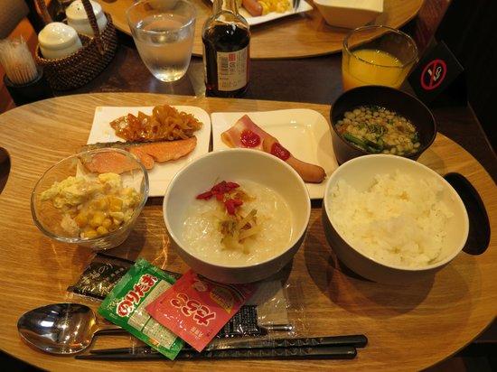 Hotel Coco Grand Ueno Shinobazu : breakfast buffet