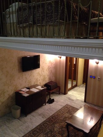 Hotel Moskva: Two floors