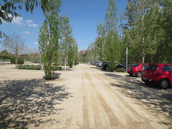Mon St Benet: El parking