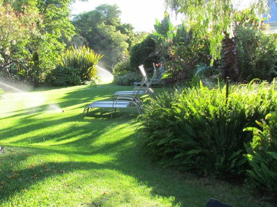 Ballinderry, The Robertson Guest House: Gardens