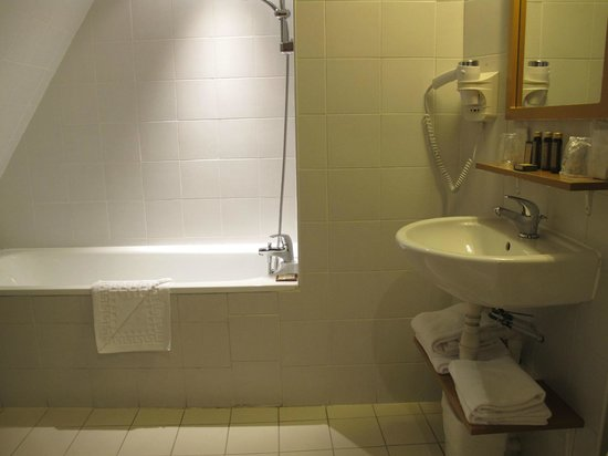 La Manufacture : bathroom
