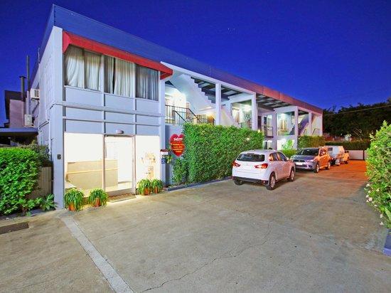 Airway Motel Brisbane: Front Entrance