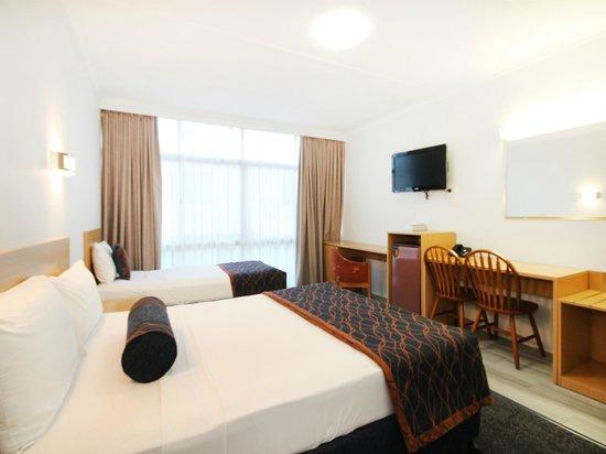 Airway Motel Brisbane: Queen and Single Room