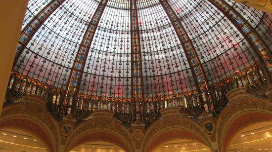 Galeries Lafayette: Main Hall