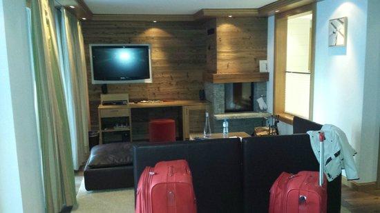 Chalet Hotel Schoenegg : Triple room