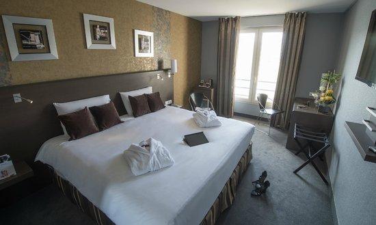 chambre king size Loire - Picture of Mercure Bords de Loire Saumur ...