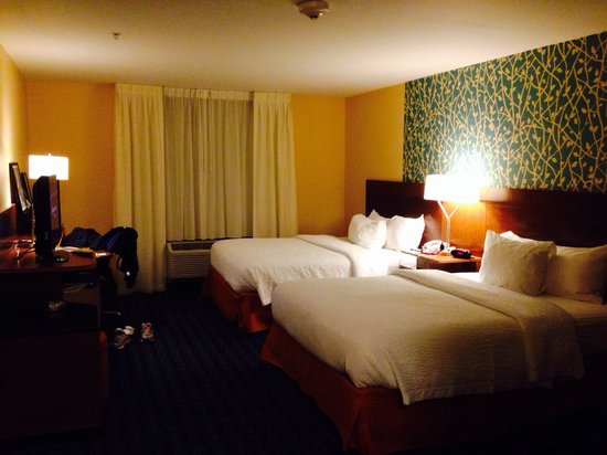 Fairfield Inn & Suites Montgomery Airport South : Nice comfortable bed