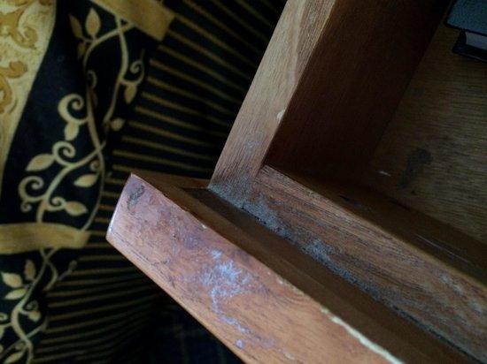 Days Inn Brigham City : Sticky gunk on nightstand, rude staff, low end decor