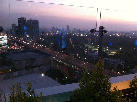 Centara Grand at Central Plaza Ladprao Bangkok : Vista dal tetto