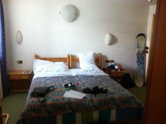 Alpen Village Hotel: Номер