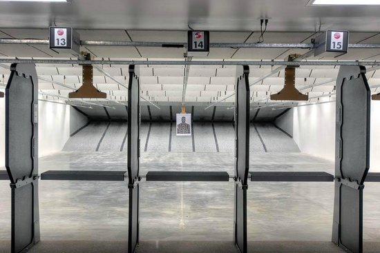 Shooters World: Pistol Range