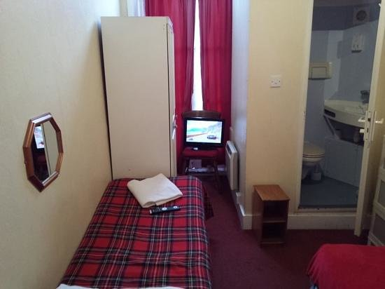 Windsor House Hotel : double room