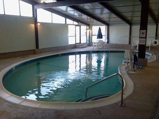 Best Western TLC Hotel: The pool