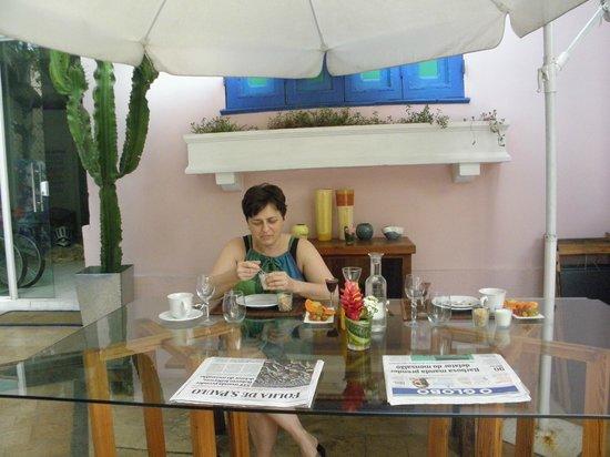 Modernistas Hospedagem e Arte: eleganckie śniadanie