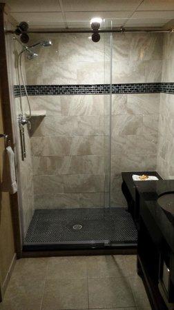 The Madison Hotel: Madison Hotel New Bridal Suite Shower