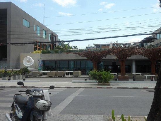 B-Lay Tong Phuket: façade -restaurant
