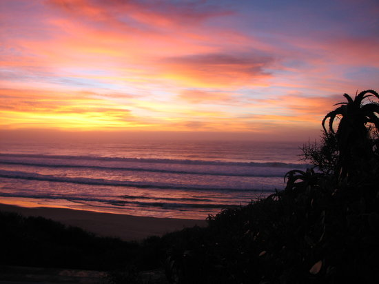 Sandpiper Guest Cottages and The Oystercatcher Trail: Sunrise at boggoms