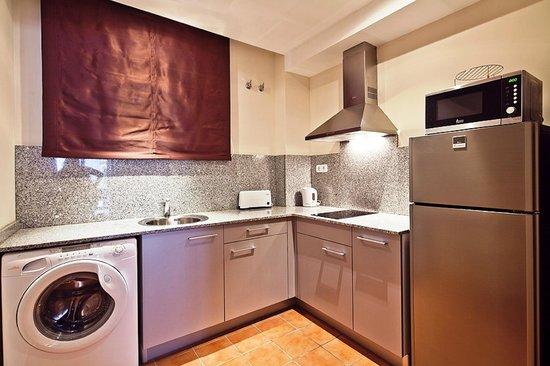 Apartamentos Sata Olimpic Village : Cocina