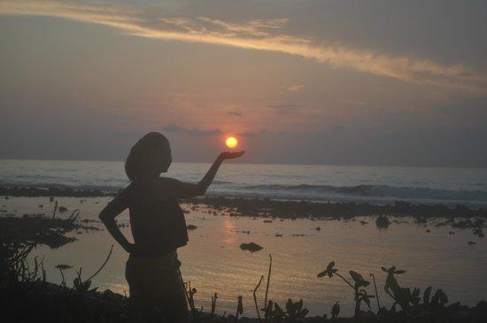 Holiday Inn Resort Kandooma Maldives: Beautiful moments at 6am++