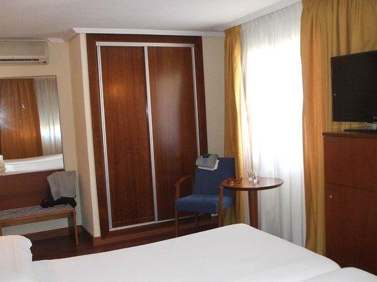 Hotel Torreluz Centro: room 204/1