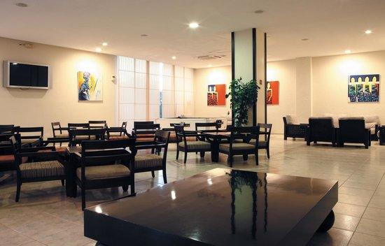 azuLine Hotel Pacific: Salon
