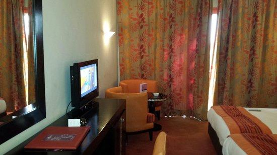 Palm Plaza Marrakech Hotel & Spa : Chambre standard
