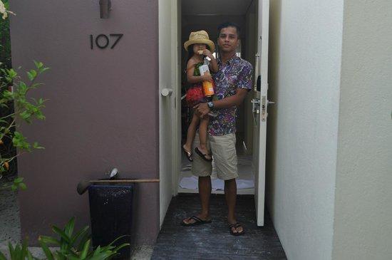 Holiday Inn Resort Kandooma Maldives: The entrance of our Room