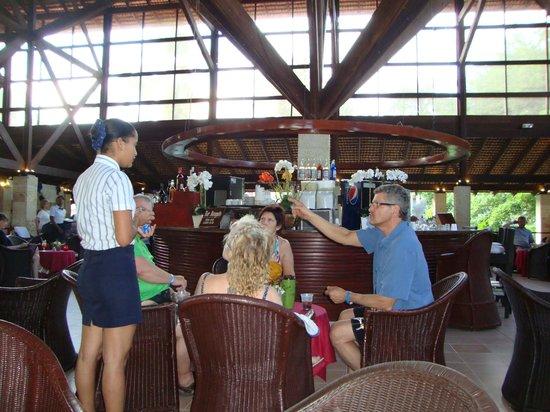 Natura Park Beach - EcoResort & Spa : Lobby bar