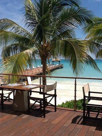 Blue Diamond Luxury Boutique Hotel: View of the ocean/dock from the snack bar area
