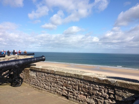 Bamburgh Castle: Fantastic views across the sea