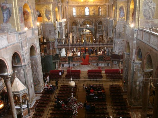 Basilique Saint-Marc : Navata Principale