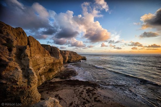 Sunset Cliffs Natural Park: One of the best places to shot sunset in San Diego