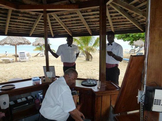 Jamaica Inn: Damar, Winston, Rupert